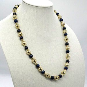Necklace with Lapis stones and Pearls.